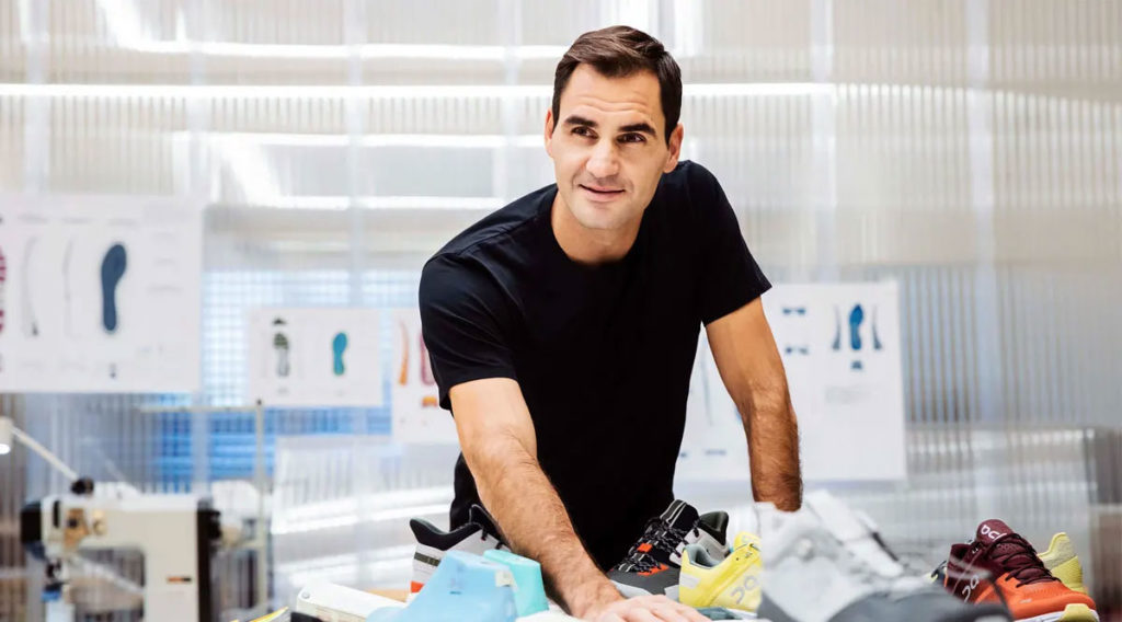 Roger Federer, dans l'atelier de conception des chaussures de sport ON